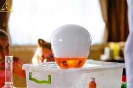 Огромный пузырь или яйцо динозавра (Шоу с сухим льдом )